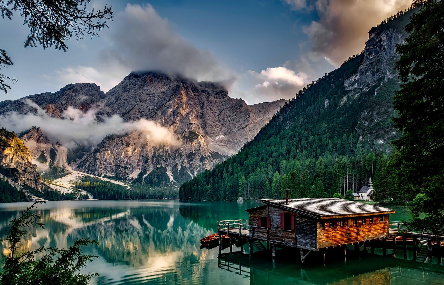 rifugio sul lago